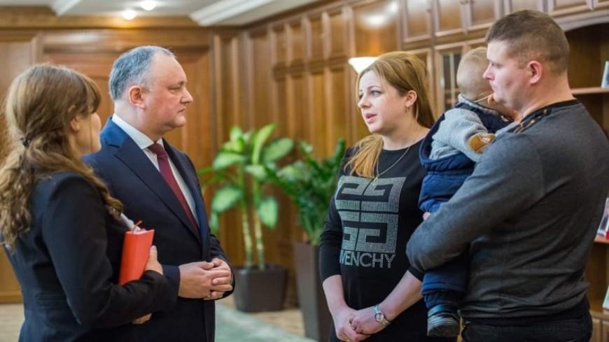 Додон осуществил мечты двоих молдавских детей