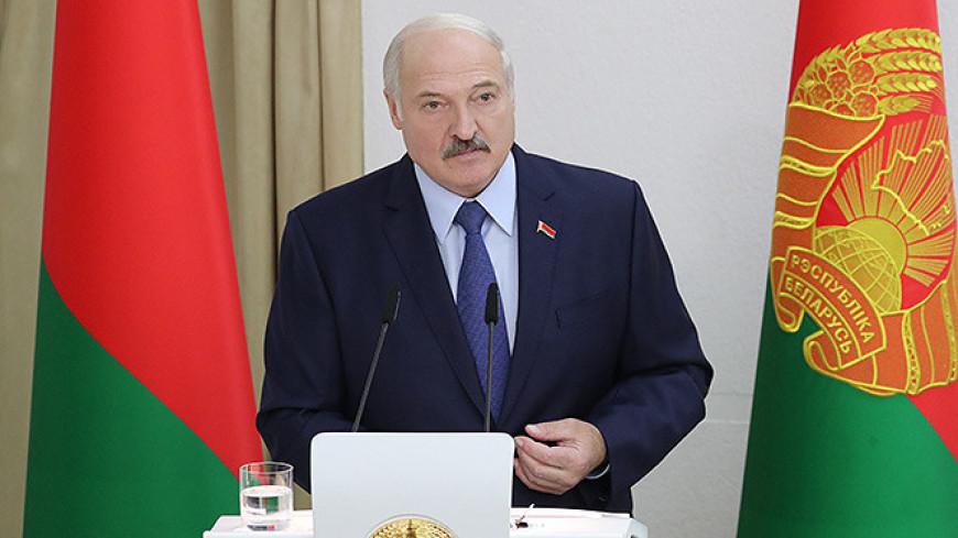 Лукашенко рассказал, как научил своего пресс-секретаря заниматься спортом