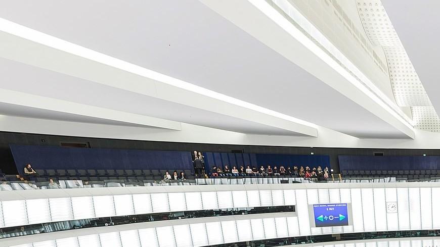 Европарламент принял осуждающую Венгрию резолюцию