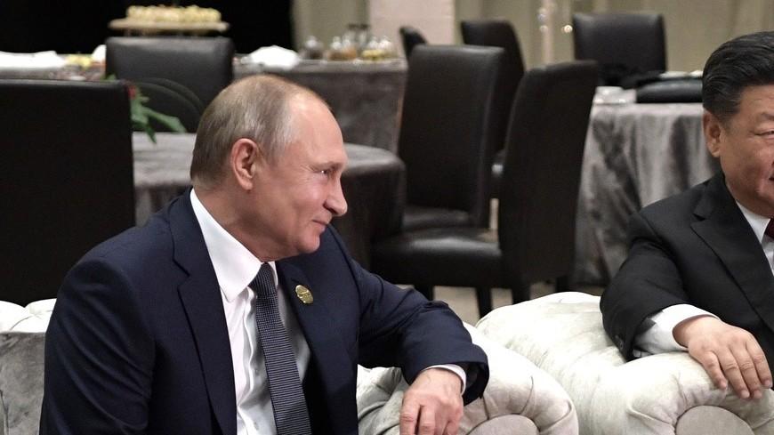Путин встретился с Си Цзиньпином на полях саммита БРИКС в ЮАР