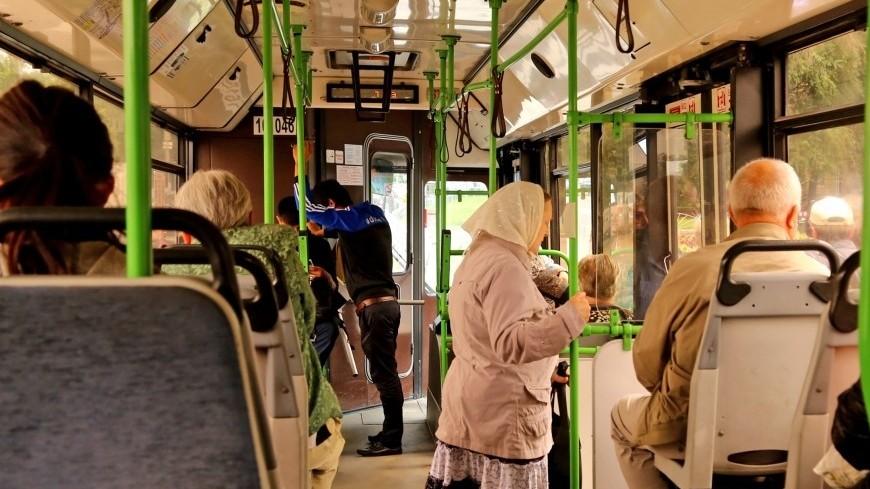 """Фото: Максим Кулачков (МТРК «Мир») """"«Мир 24»"""":http://mir24.tv/, пассажир, автобус, общественный транспорт"""