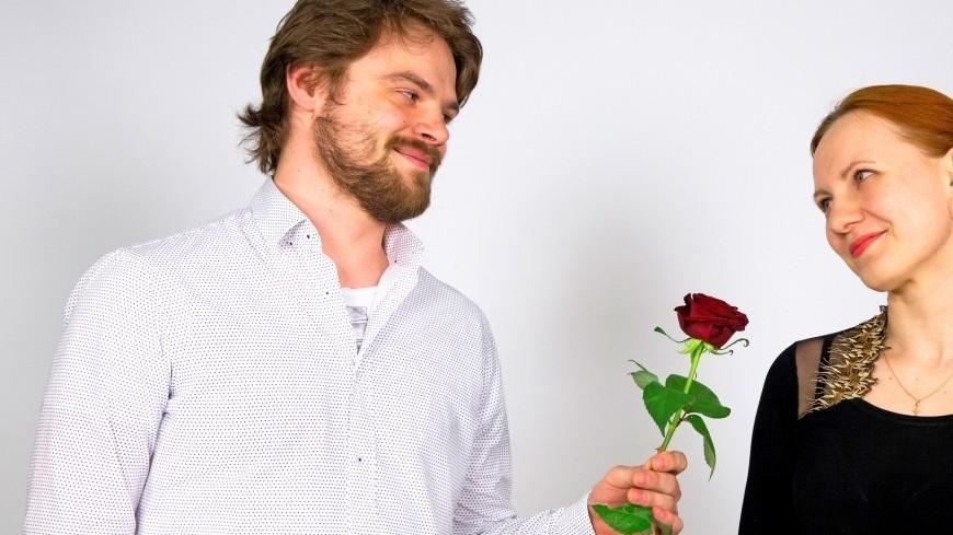 """Фото: Максим Кулачков (МТРК «Мир») """"«Мир 24»"""":http://mir24.tv/, роза, отношения, любовь, брак, семья, бракосочетание, супруг, супруга, муж, жена, цветок, подарок"""