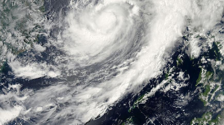 "Изображение: ""NASA"":https://earthdata.nasa.gov/data/near-real-time-data/rapid-response, торнадо, тайфун, циклон"