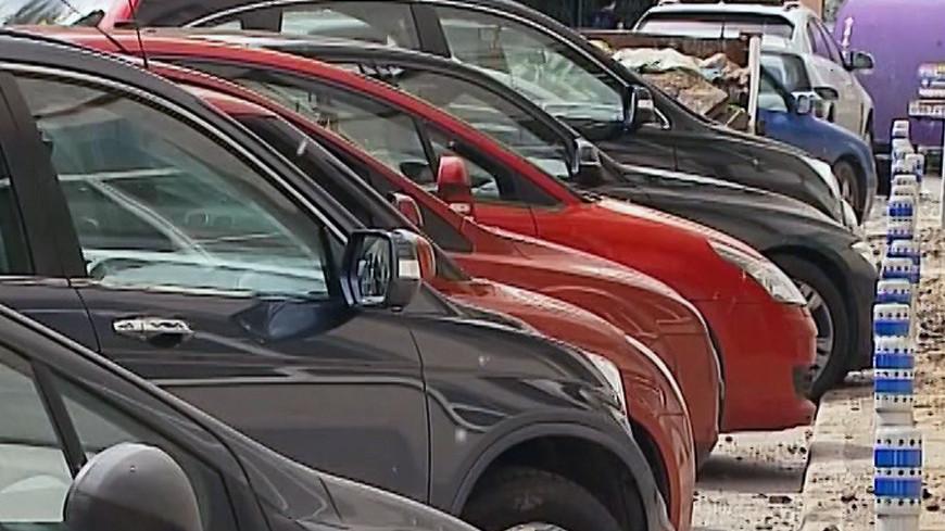 """Фото: """"«МИР 24»"""":http://mir24.tv/, парковка, авто, автомобили, машины"""