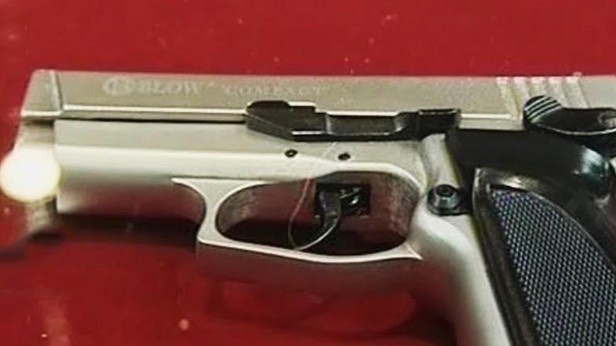 """Фото: Елена Вилле, """"«МИР 24»"""":http://mir24.tv/, убийство, пистолет, оружие, преступление"""