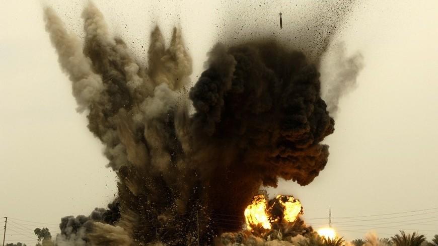 """Фото: """"Andy Dunaway, официальный сайт Минобороны США"""":http://www.defense.gov/, бомба, взрыв, авианалет"""
