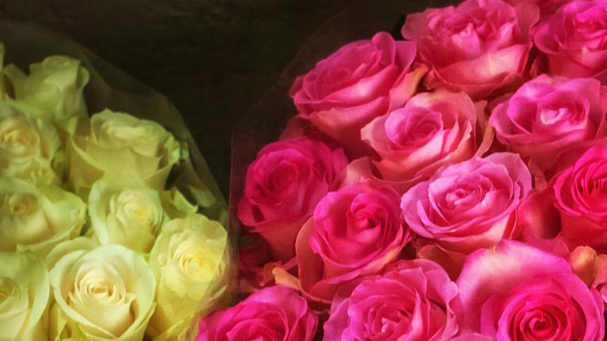 8 марта на улицах города,8 марта, цветы, букет,  роза, ,8 марта, цветы, букет,  роза,