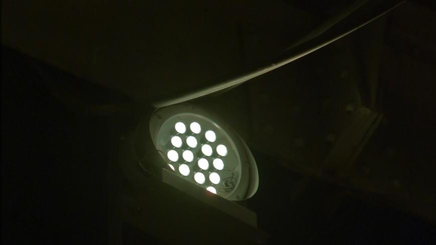 """Фото: Татьяна Константинова, """"«Мир 24»"""":http://mir24.tv/, прожектор, свет, подсветка, освещение"""