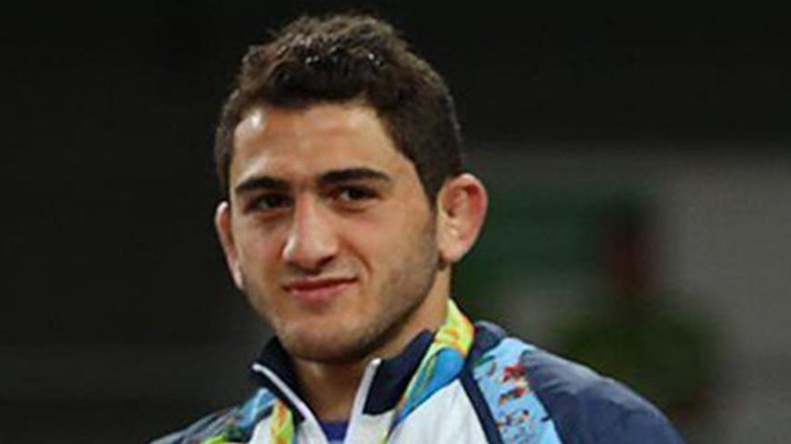 Азербайджанец Гаджи Алиев в третий раз выиграл золото ЧЕ по вольной борьбе