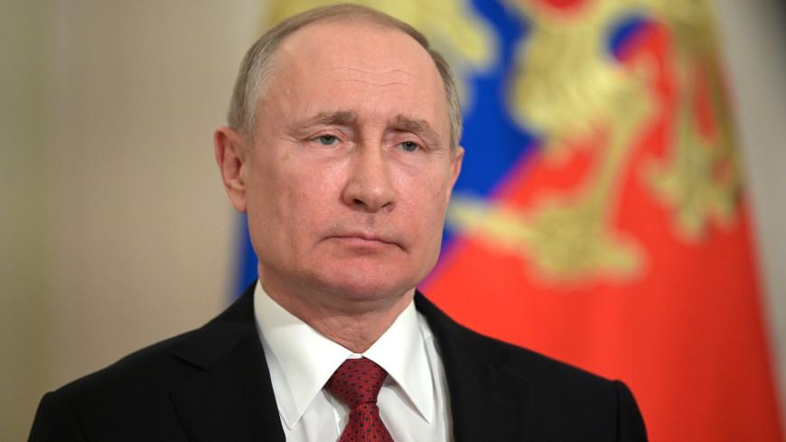 Путин подписал закон о повышении пособия на детей до полутора лет в два раза