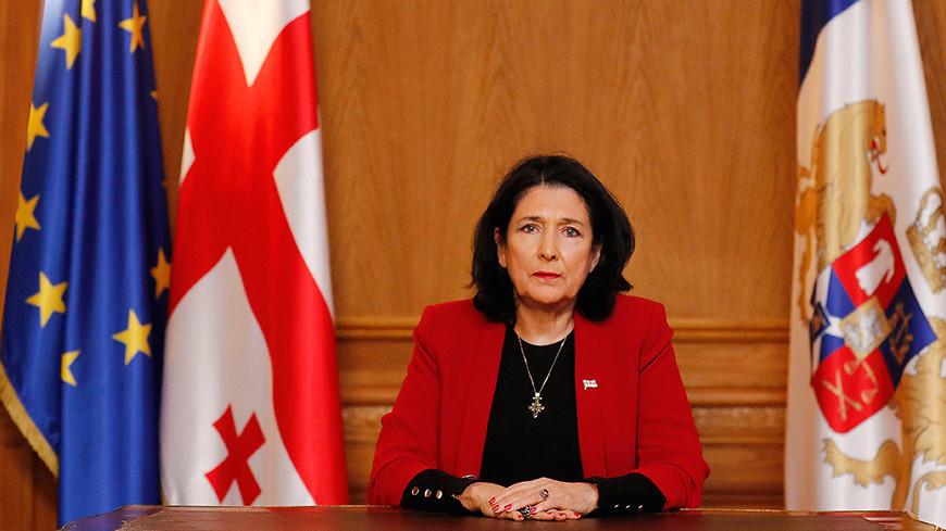 Зурабишвили в переговорах с Саркисяном и Алиевым отметила важность солидарности в борьбе с COVID-19