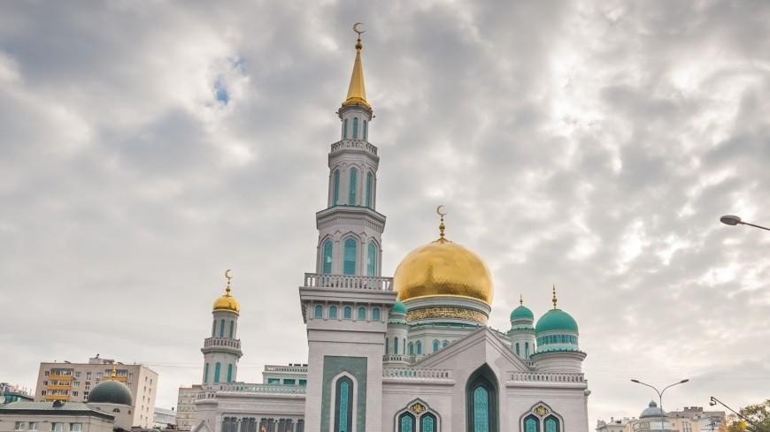 """Фото: Николай Костюшин (МТРК «Мир») """"«Мир 24»"""":http://mir24.tv/, мечеть, курбан-байрам, мусульманство, мусульмане"""