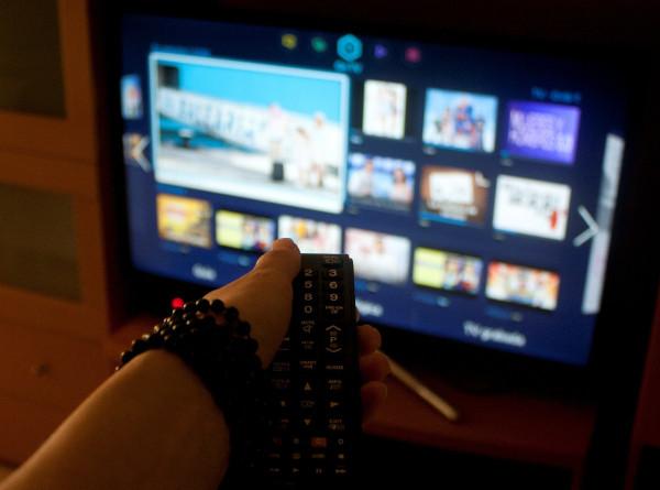 Российские онлайн-кинотеатры открыли бесплатный доступ к фильмам и сериалам