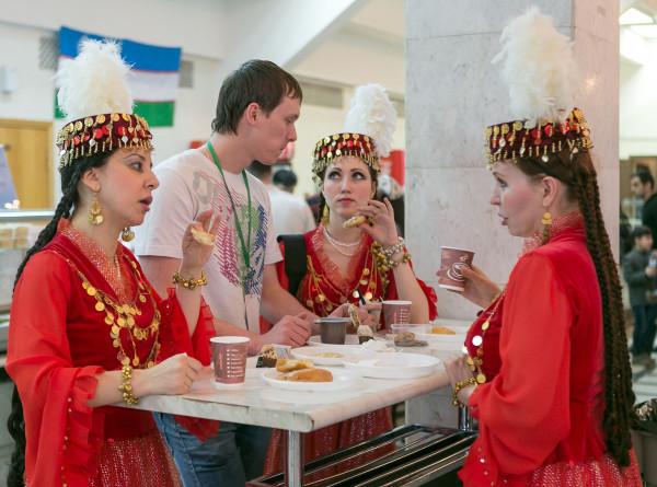 Магия узоров и цвета: в Таджикистане продолжают отмечать Навруз