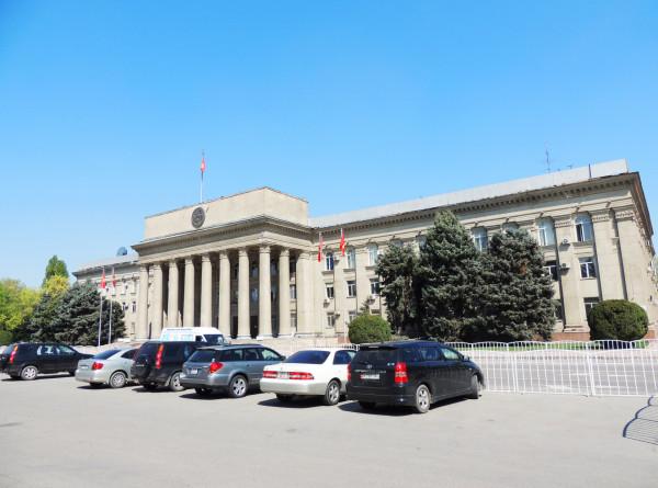 В Бишкеке усилили режим чрезвычайного положения из-за коронавируса