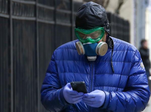 Оставайтесь дома: антикоронавирусные меры распространились на всю Россию