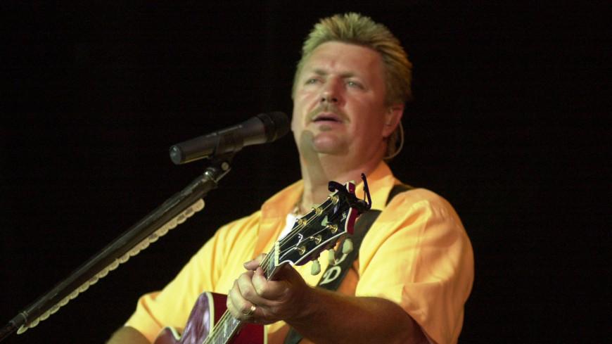 В США от коронавируса умер известный кантри-певец