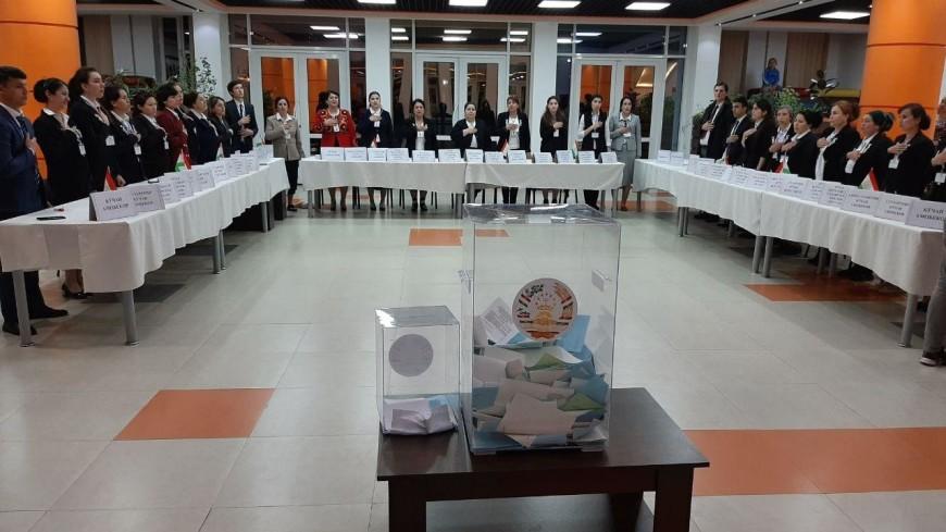 Выборы в Таджикистане: правящую партию поддержали и в больших городах, и в маленьких селах