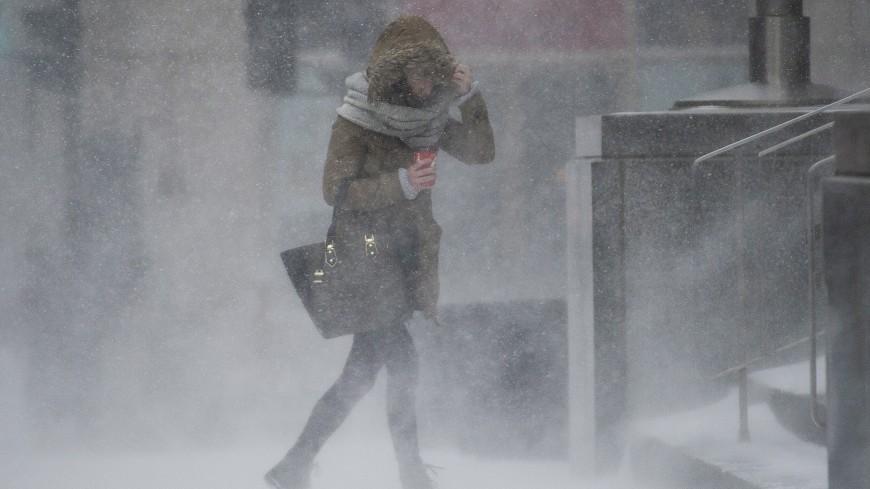 Непогода терзает Россию: ураган в Москве, снежная буря на Сахалине