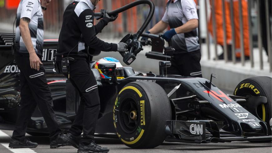 «Макларен» снялся с Гран-при Австралии из-за заболевшего члена команды