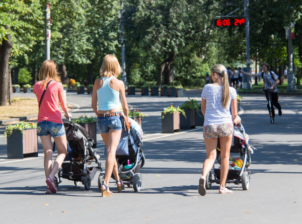 Детские выплаты и курортный сезон: что ожидает россиян с 1 июня