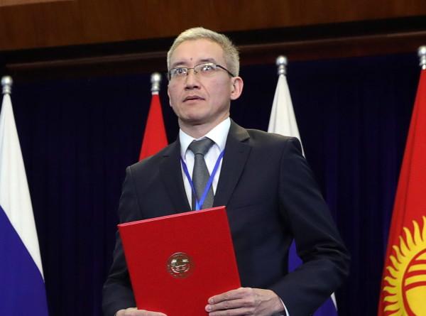 Вице-премьер Кыргызстана: СOVID-19 не должен мешать странам СНГ торговать между собой