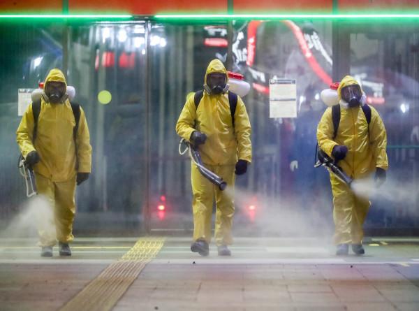 Массовая дезинфекция улиц проходит в Баку