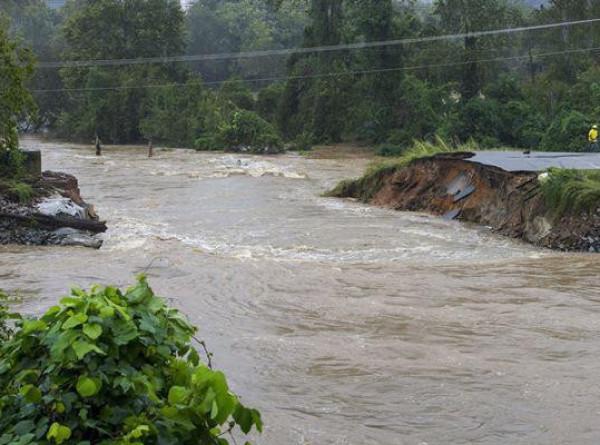 В зонах подтопления в России из-за паводка остаются почти 500 жилых домов