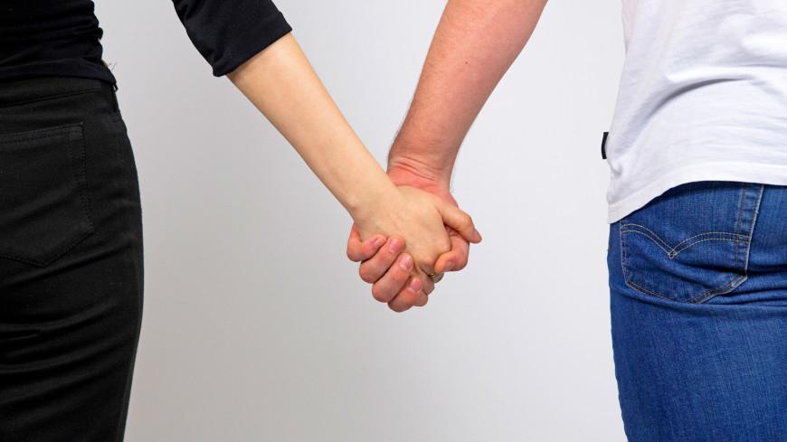 Психологи заявили, что самоизоляция укрепляет романтические отношения