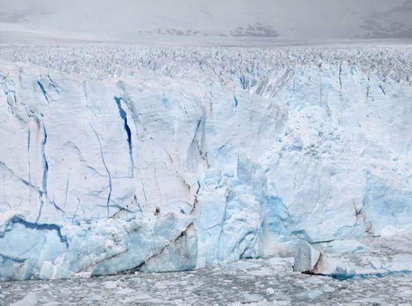 Ледники Арктики и Антарктиды оказались связаны между собой
