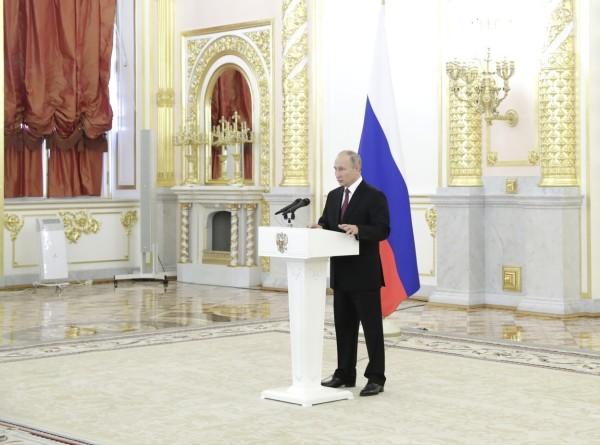 Путин принял верительные грамоты у иностранных послов в Кремле