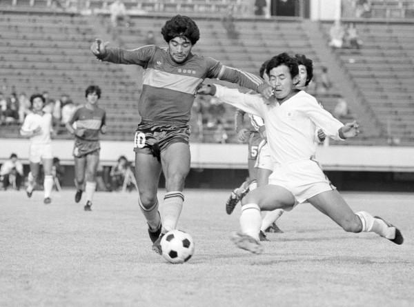 Бог футбола: не стало легендарного Диего Марадоны (ФОТО)