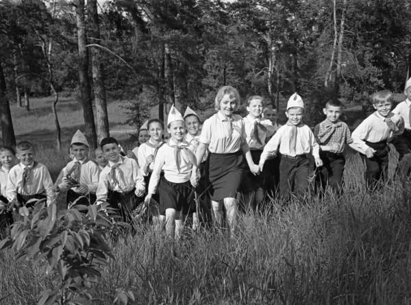 Детство в СССР: какими были пионерские лагеря прошлого?