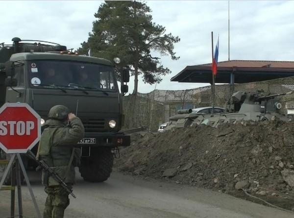 В Степанакерт прибыли свыше 60 российских военных медиков