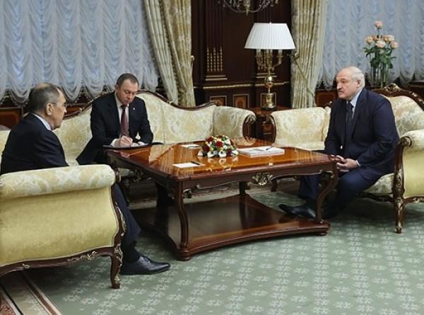 Александр Лукашенко и Сергей Лавров обсудили вопросы внешней политики Союзного государства