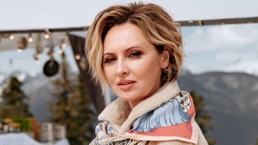 Актрису Елену Ксенофонтову госпитализировали с двусторонней пневмонией