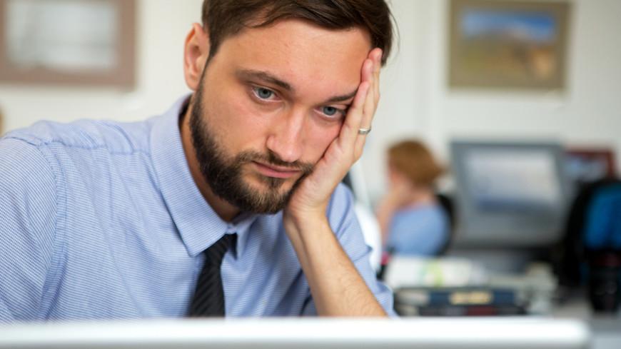 "Фото: Алан Кациев (МТРК «Мир») ""«Мир 24»"":http://mir24.tv/, сотрудник, офис, кабинет, работа, компьютер, труд, офисная работа, рабочее место"