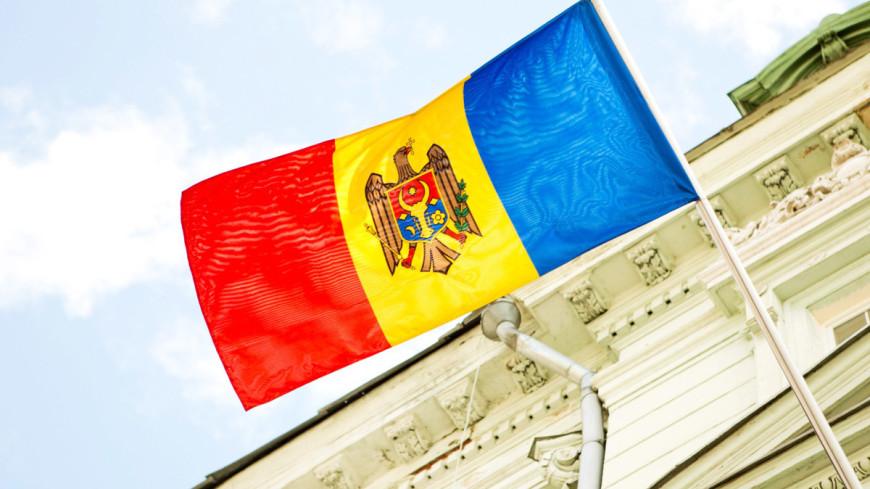 В правительстве Молдовы четыре министра и вице-премьер ушли в отставку
