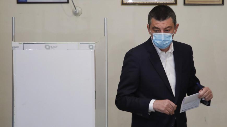Премьер Грузии проголосовал во втором туре парламентских выборов