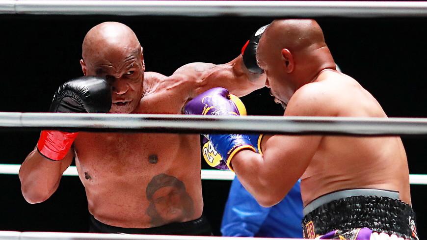 Майк Тайсон на эмоциях ушел с ринга после боя с Роем Джонсом