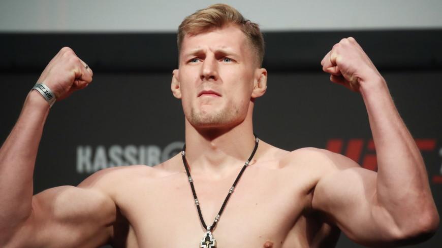 Россиянин Александр Волков сразится с голландцем Алистаром Оверимом на турнире UFC