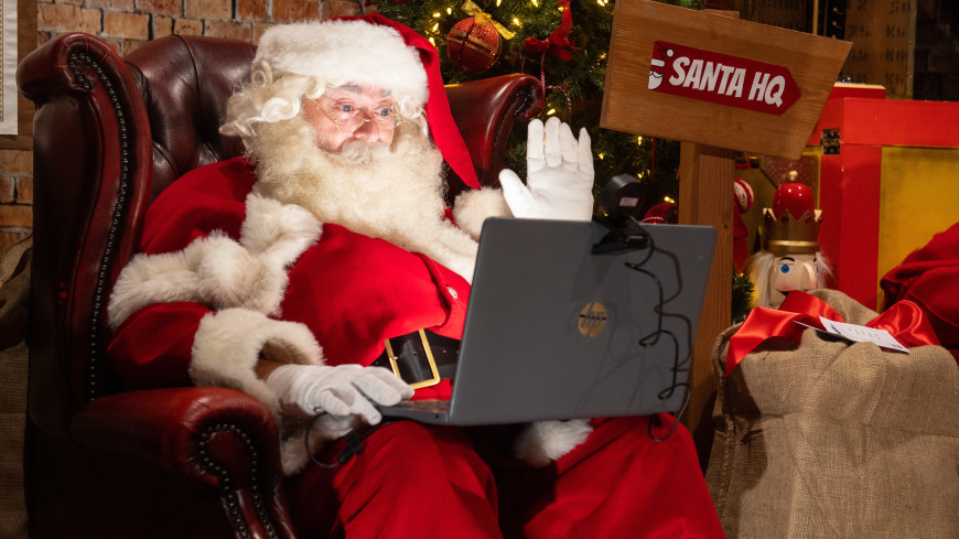 Детям в США запретили сидеть на коленях у Санта-Клауса