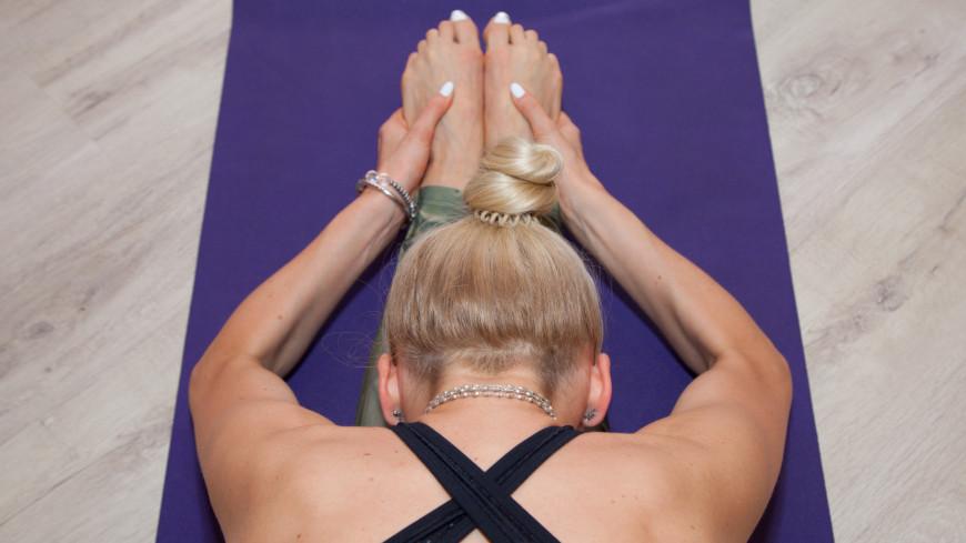 Йога,йога, растяжка, асана, спина, ступни, девушка, расслабление,