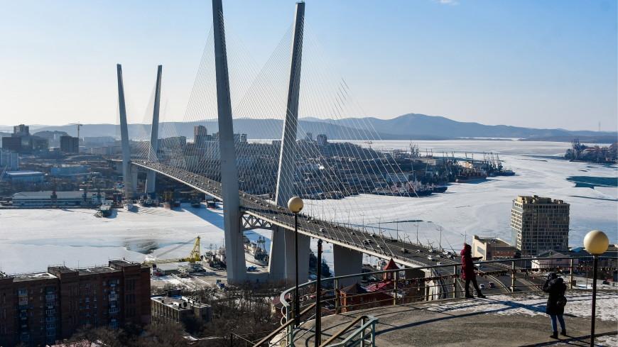 Золотой мост во Владивостоке закроют на три часа для обработки ото льда