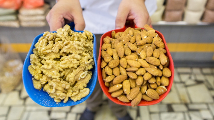 """Фото: Алан Кациев, """"«Мир 24»"""":http://mir24.tv/, миндаль, орехи, грецкие орехи"""