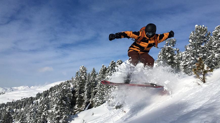 """""""© Фото: Андрей Воротиличев, «МИР 24»"""":http://mir24.tv/, сноуборд, горы"""