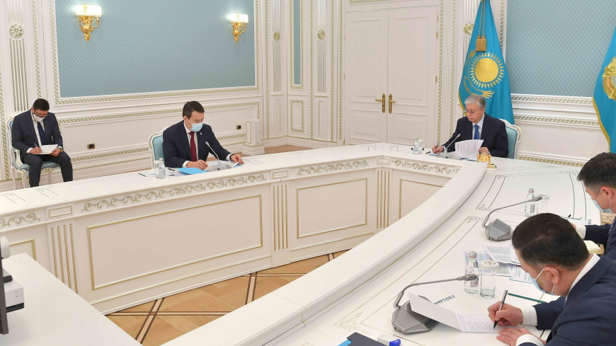 Токаев и Мясникович обсудили повестку предстоящего заседания ВЕЭС