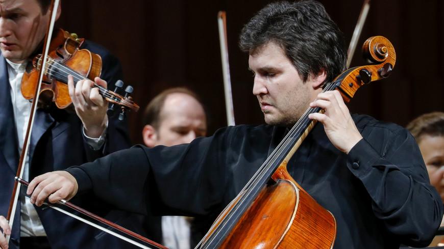 В возрасте 37 лет скончался виолончелист Александр Бузлов