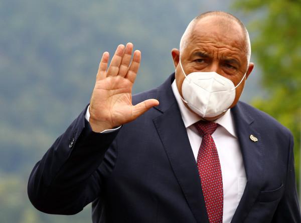 Премьер Болгарии ушел на самоизоляцию после контакта с инфицированным чиновником