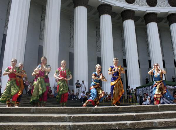 10 невероятных индийских традиций